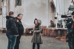 Vo svojom filme sa Vera Lacková rozpráva a stretáva s potomkami ďalších rómskych účastníkov protinacistického odboja