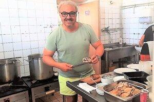 Martin Zounar varil v rimavskosobotskej reštaurácii Európa. Jej majitelia sú jeho veľmi dobrými priateľmi.