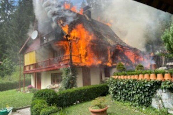 Požiar chaty pod Chočom.
