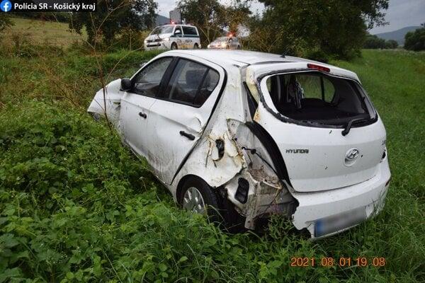 Vodička utrpela zranenia.
