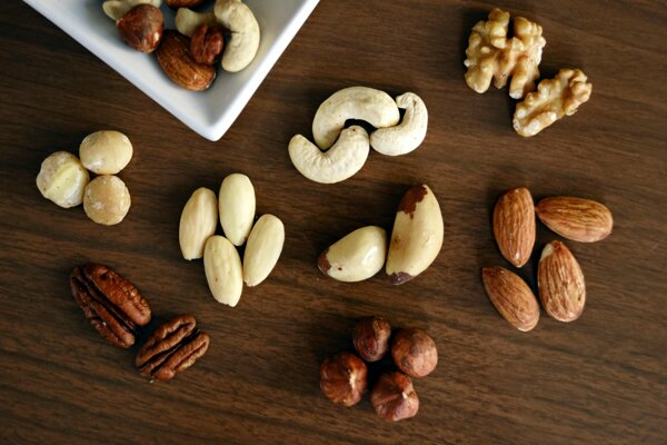 Najzdravšou verziou sú nepražené, nesolené a nesladené orechy.