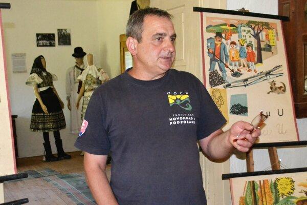 Pavel Kyseľ, starosta Polichna v tamojšom Múzeu B. S. Timravy.