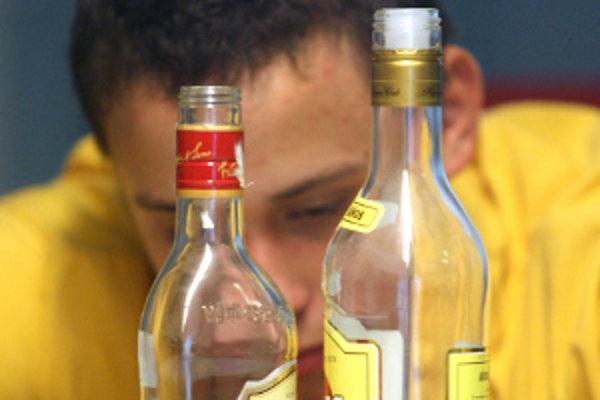 Alkohol na hlavných uliciach Zlatých Moraviec bude odteraz tabu.