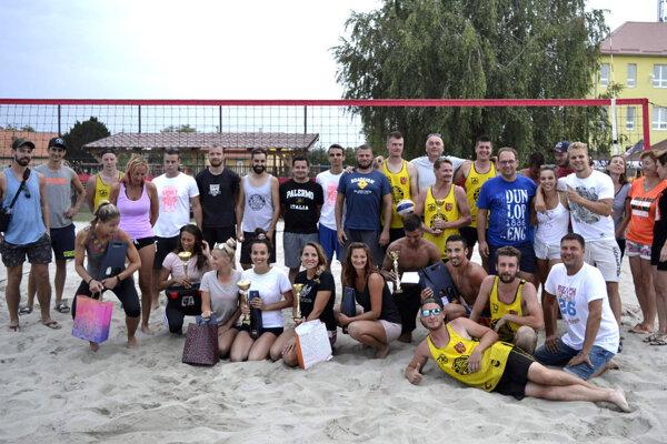 Beachvolejbalová komunita sa opäť stretne v Komjaticiach.