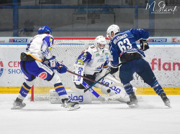 Adrián Holešinský aj dnes potvrdil svoj hokejový progres.