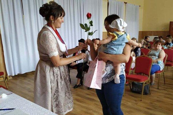 Uvítanie detí do života obnovili v Dolnom Vadičove po 33 rokoch.