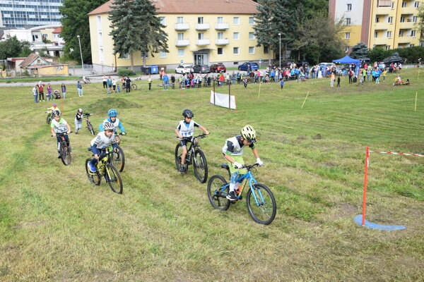 Martinská olympiáda - pod Malou horou boli v sobotu cyklopreteky.