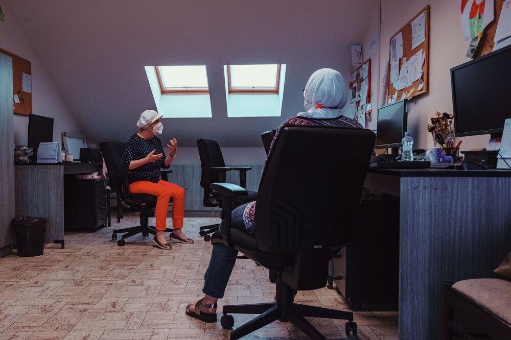 Interkultúrnymi pracovníkmi sú často migranti samotní.
