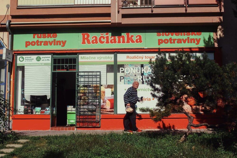 Ruské potraviny v račianskom obchode.