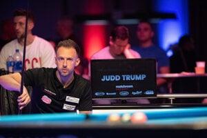 Judd Trump hrá biliard na US Open 2021.