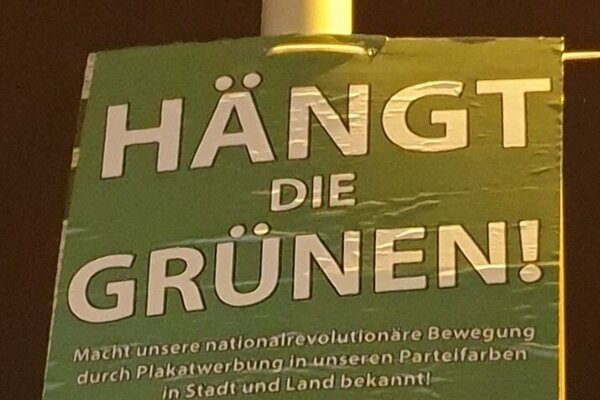 Kontroverzný slogan krajne pravicovej strany III. Weg.