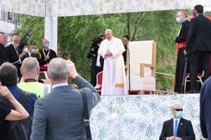 Svätý Otec na Luniku IX.