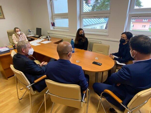 Stretnutie ministra Lengvarského s regionálnymi hygienikmi v Bardejove.