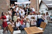 Prehliadka Folklórnych páradnic obohatila program jarmoku pri Smaltovni.