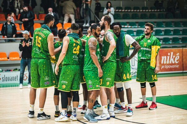 Levickí basketbalisti mali cez víkend trikrát dôvod na radosť, keď na turnaji vHandlovej zdolali všetkých svojich súperov.