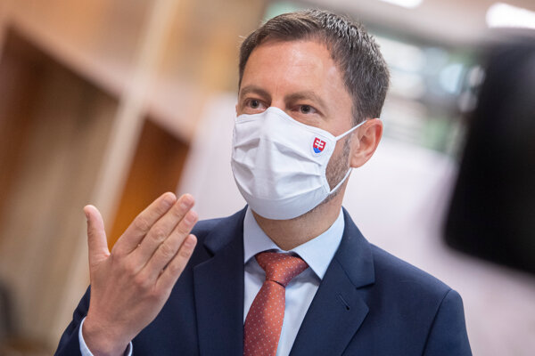 Na snímke premiér SR Eduard Heger.