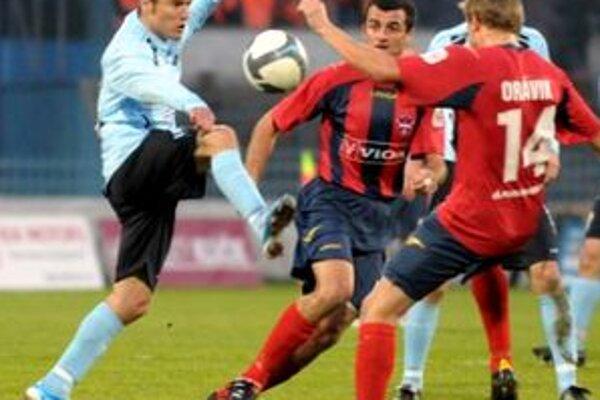 O jediný gól sa postaral Róbert Rák. Odveta bude 23. 11. v Zlatých Moravciach.