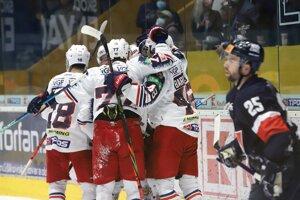 Gólová radosť zvolenských hokejistov v zápase proti Slovanu