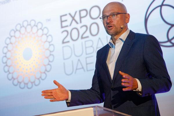 Minister hospodárstva Richard Sulík počas tlačovej konferencie o ukážke toho, čo Slovensko ponúkne globálnemu publiku na Svetovej výstave Expo 2020 Dubaj.