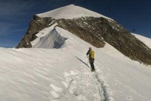 Švajčiarsky Alphubel 4206 metrov nad morom.