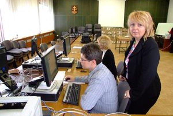 Štatistický úrad v Nitre sa pripravuje na spracovanie výsledkov novembrových volieb.