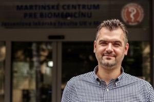 Martin Janík, prodekan Jesseniovej lekárskej fakulty pre pedagogickú činnosť pre študentov študujúcich v anglickom jazyku a zahraničné vzťahy.