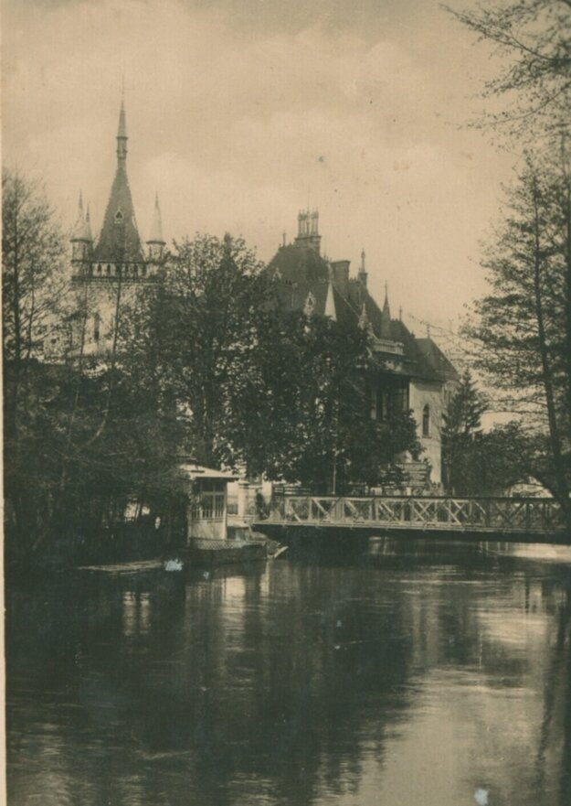 Jakabov palác a Mlynský náhon.