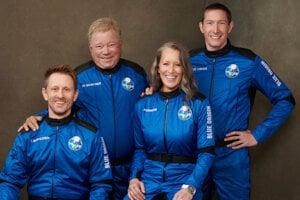 (zľava) Chris Boshuizen, William Shatner, Audrey Powers and Glen de Vries.