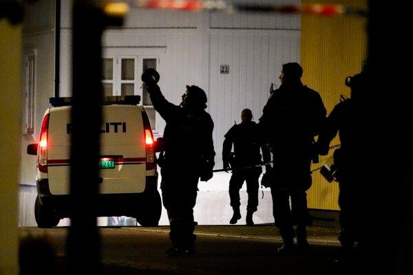Polícia spacifikovala páchateľa až po polhodine od prvého stretu.