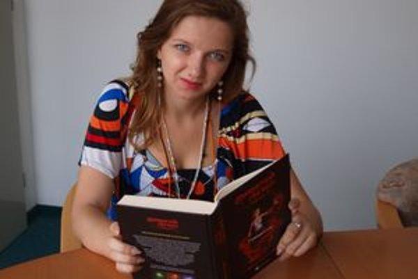 Marja Holecyová so svojím debutom Mariotovi dediči - Predurčenie.