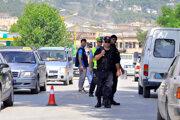 Príslušníci albánskej polície.
