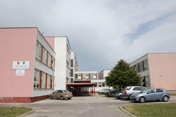 Gymnázium na Golianovej ulici v Nitre si vyžaduje rekonštrukciu.