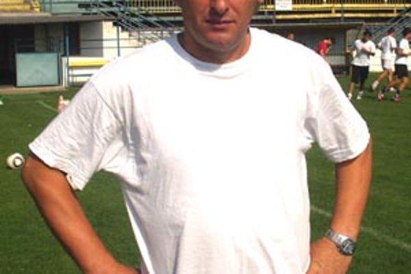 Tréner Vrábeľ Marián Süttö.