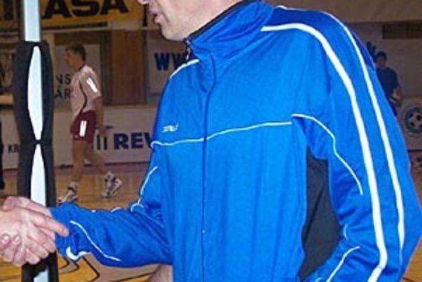 Ján Hukel prechádza od juniorov na lavičku mužov.