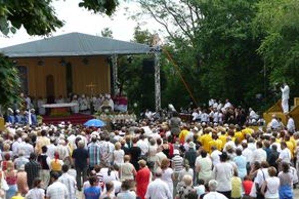 Množstvo veriacich sa v pondelok na sviatok sv. Cyrila a Metdoa zišlo na Cyrilo-metodskej národnej púti v Nitre.