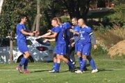 Futbalisti Klasova uštedrili debakel N. Hrnčiarovciam a vrátili sa do čela tabuľky.