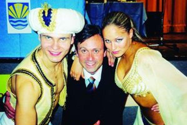 Tomáš a Ivana Surovcovi so svojím choreografom Petrom Horáčkom.