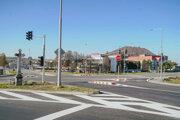 Svetelná signalizácia pomôže najmä vodičom vychádzajúcim z mestskej časti Kanaš. Bezpečnejšie cez cestu prejdú aj chodci.