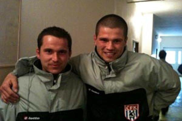 Útočník Robo (vľavo) a gólman Noro. V nedeľú skórovali obaja!