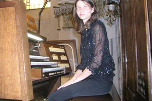V nedeľu 9. mája spolu s rakúskym trubkárom Leonhardom Leebom vystúpi aj nitrianska organistka Mária Plšeková.