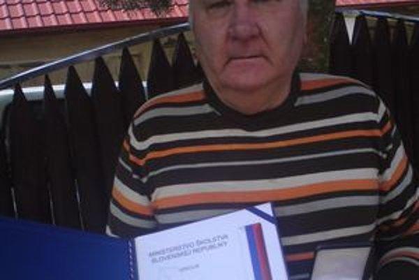 Veľkú medailu sv. Gorazda dostal od ministra školstva Miroslav Pius.