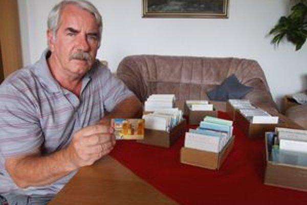 Zberateľ Vladimír Velčický má 1300 telefónnych kariet s motívom piva.