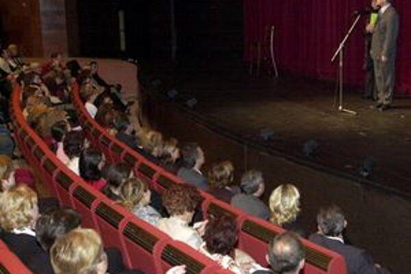 Divadlo Andreja Bagara v Nitre otvorí svoju jubilejnú 60. sezónu komédiou Šťastné a veselé!