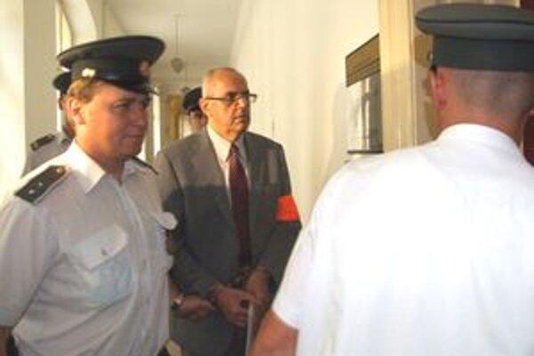 Karola K. odsúdil krajský súd len za prečiny, spod obžaloby zo sexuálneho násilia ho oslobodil.