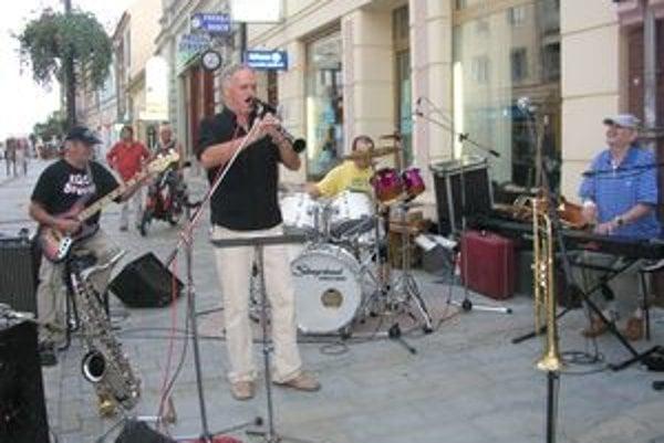 Nitrianska kapela Ego Group to na Jazze na korze roztočila.