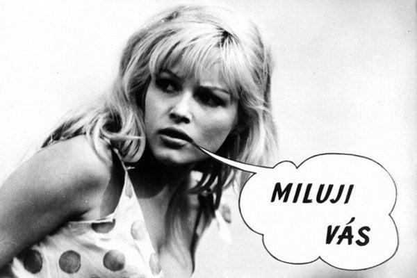 Česká Brigitte Bardot Olga Shoberová v legendárnej scifi komédii Kdo chce zabít Jessii.