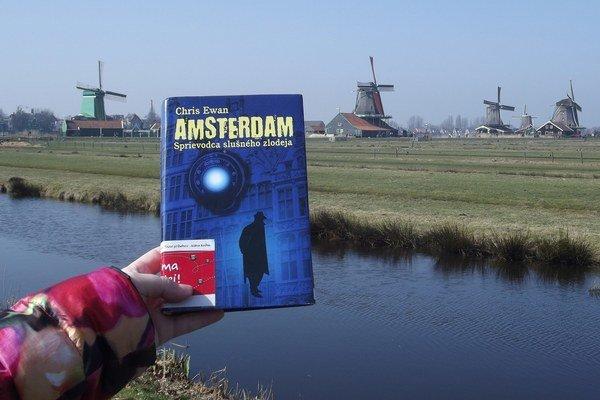 Knihobežka v Holandsku. Doteraz precestovali všetky knihy spolu 1 502 822 kilometrov.