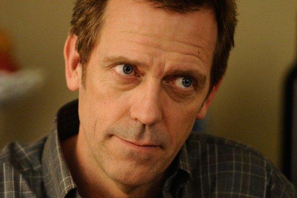 Hugh Laurie hrá Gregoryho Housa v televíznom seriály Dr. House (House, M.D.).