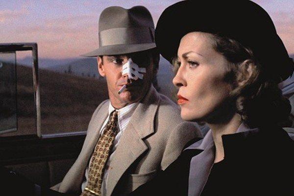 Faye Dunaway a Jack Nicholson v slávnom filme zo sedemdesiatych rokov.
