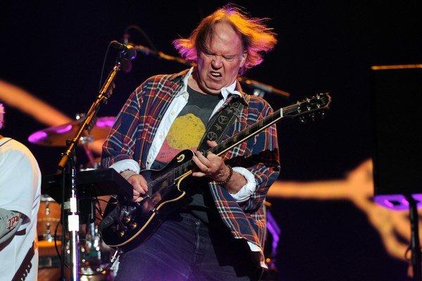 Neil Young sa do Viedne vracia po šiestich rokoch, tentoraz s bonusom - kapelou Crazy Horse.